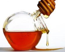 Mierea de salcam, un medicament natural
