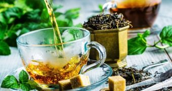 Invinge canicula cu ceaiuri de vara!