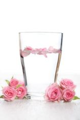 Apa de trandafir, apa tineretii