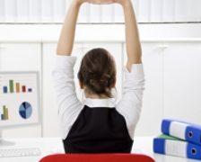 Stretching la birou, 5 exercitii simple