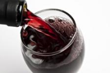 Un pahar de vin pe zi lupta impotriva osteoporozei