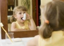 Steroizii inhalatori ar putea afecta inaltimea copiilor