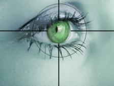 A fost implantat primul ochi bionic