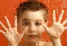Poluarea ar putea duce la aparitia autismului la copii