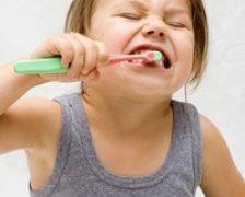 Copiii si frica de dentist: cum scapa de ea