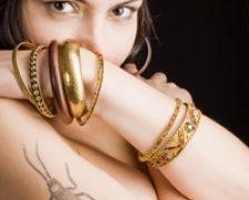 Tatuajele pot creste riscul cancerului de piele