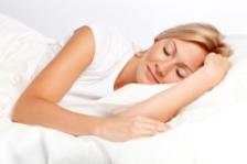 4 nutrienti care va ajuta sa dormiti mai bine