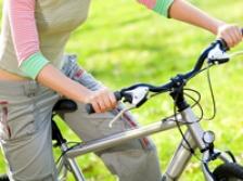 Esti stresat? Mersul pe jos sau cu bicicleta la serviciu te calmeaza