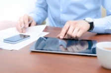 Verificarea de acasa a mailului poate provoca probleme cardiace, anxietate si dureri de cap