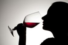 Trei beneficii surprinzatoare ale vinului rosu