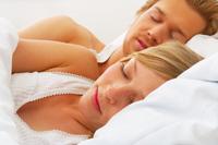 8 cauze ale transpiratiilor nocturne