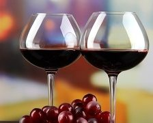 Un pahar de bere sau de vin pe zi ajuta memoria