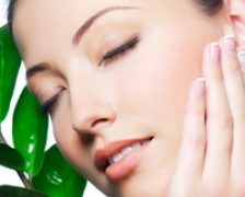 Tratamente faciale naturale pentru eliminarea eficienta a punctelor negre