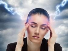 Nu neglijati migrenele! Ar putea declansa boli mult mai grave