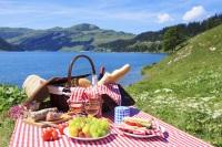 decupat secundara luati masa in aer liber