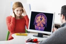 Atacul vascular cerebral ar putea accelera declinul cognitiv pe termen lung