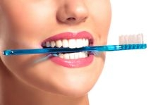 Cinci solutii pentru a avea dinti mai albi si mai sanatosi