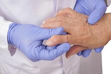 Parkinsonul ar putea fi tratat cu ajutorul plasturilor cu nicotina