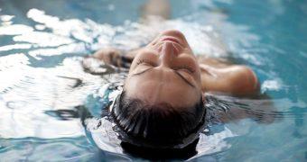 Otita de piscina diminueaza auzul