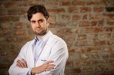 "Dr. Andreas Vythoulkas: ""Netratata la timp, si cea mai banala infectie poate deveni greu de controlat"""