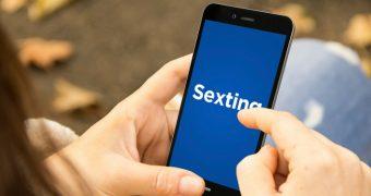 Ce este sextingul si cum se transforma in hartuire