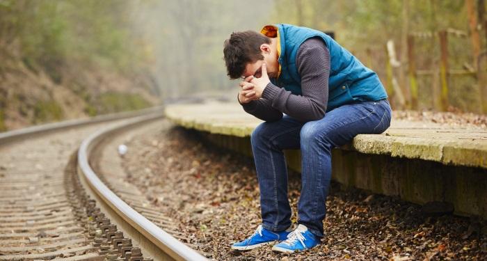 secundara_depresia_inainte de CARE SUNT SEMNALELE DE ALARMA PENTRU SUICID