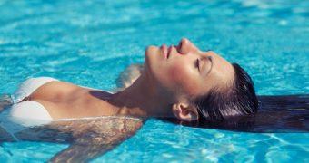 6 bacterii ce pot fi luate de la piscina