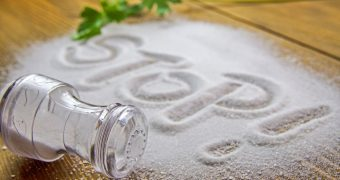 Excesul de sare: alimente de care trebuie sa va feriti
