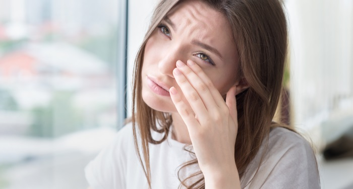 secundara_mucegai_inainte de Semnele si simptomele expunerii la mucegai cuprind