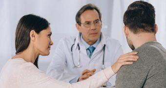 Nodulii testiculari: cauze si importanta autoexaminarii