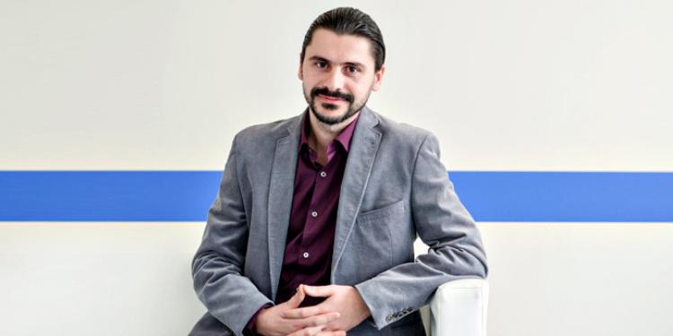 https://www.farmaciata.ro/dr-lucian-rusitoru-in-romania-70-80-dintre-paciente-sunt-diagnosticate-in-cazuri-avansate-de-cancer-mamar/