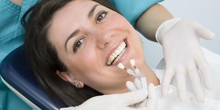 indepartarea coloratiilor dentare