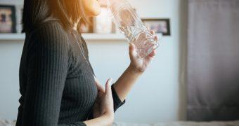 Calmaţi arsurile gastrice cu ajutorul remediilor naturale