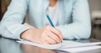 Scrisul de mână susține sănătatea creierului