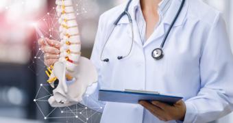 Coloana vertebrală se micșorează cu 1 cm la fiecare 10 ani