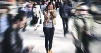 Evitarea locurilor aglomerate are cauze psihologice