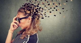 Amnezia disociativă implică pierderea temporară a memoriei