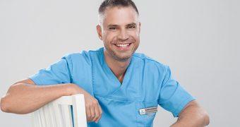 """Dr. Florin Lăzărescu: """"Este de neconceput realizarea unui plan de tratament stomatologic care să nu fie estetic"""""""