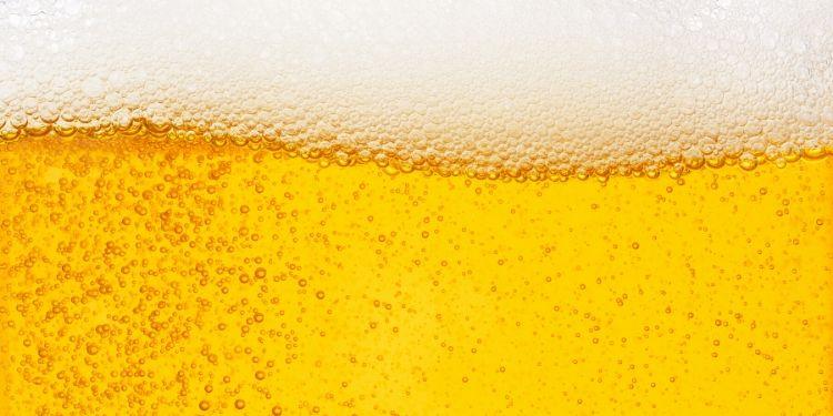 consumul de bere, 4 beri pe zi, consum moderat de bere, berea este sănătoasă, beneficiile consumului de bere,