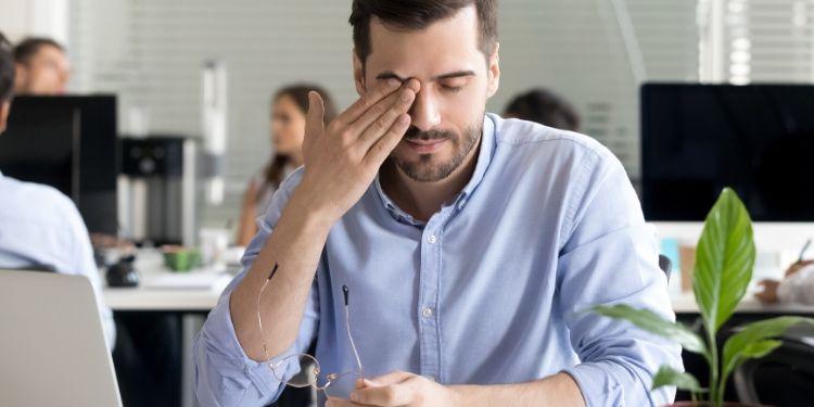 sindromul de ochi uscat, simptomele sindromului de ochi uscat, tratament sindromul de ochi uscat, recomandat,