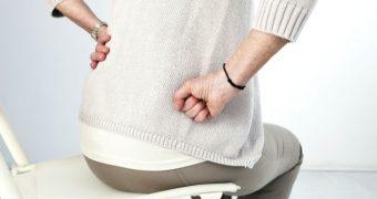 Lipsa vitaminei D poate agrava durerile de spate femeilor aflate la menopauză