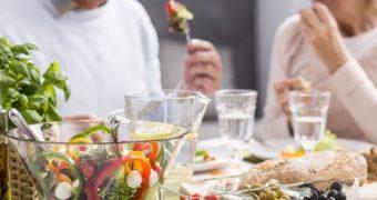 Alimente ce nu trebuie să vă lipsească după 50 de ani