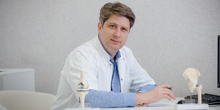 https://www.farmaciata.ro/dr-robert-apostolescu-poti-avea-si-la-70-de-ani-viata-de-calitate-daca-nu-te-duci-la-doctor-doar-la-urgenta/