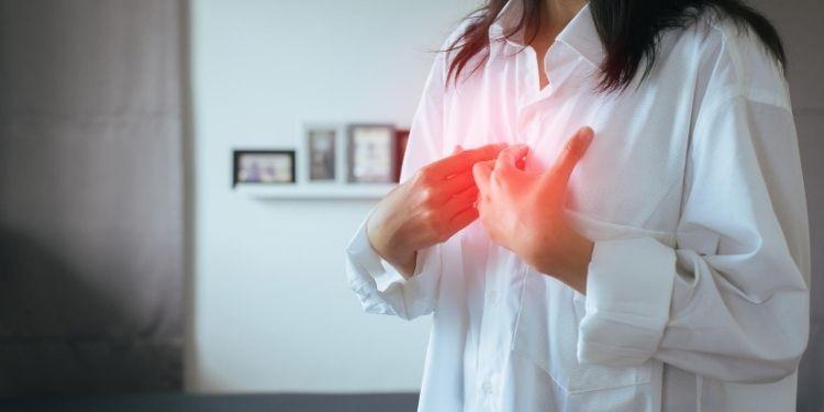 simptome surprinzătoare ale refluxului gastroesofagian, BRGE, reflux gastroesofagian, stomac, acidul gastric, gastric,