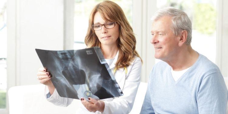 osteoporoza, osteoporoză, osteoporoza la bărbaţi, fracturi, DEXA, densitate osoasă,