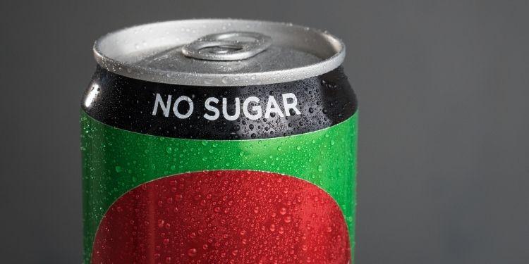 zahăr, îndulcitori artificiali, sucurile dietetice,