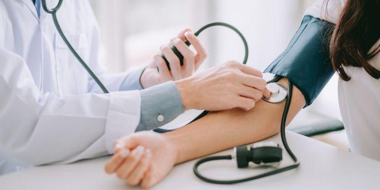 accident vascular cerebral, AVC, hipertensiunea arterială,