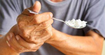 Vitaminele C şi E pot reduce riscul apariţiei bolii Parkinson