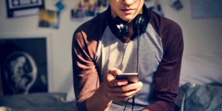 singurătate, internet, pandemie, coronavirus, adolescenţi, singurătatea adolescenţilor,