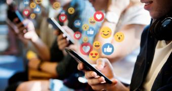 Ce se află în spatele dependenţei de social media